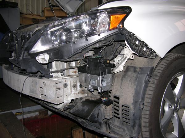 Установка жидкостного автономного отопителя Eberspacher B5SC Comfort на Lexus RX350